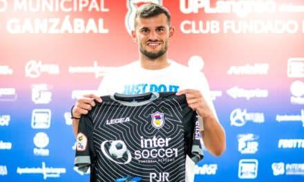 """Roberto Jara: """"Vengo a demostrar el nivel que tengo a un club muy potente de Asturias"""""""